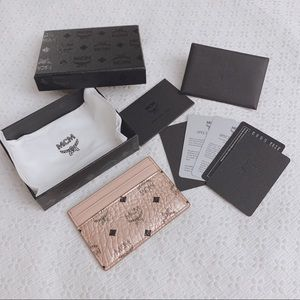 BNIB MCM Visetos Rosegold card holder wallet